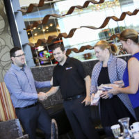 dos and don'ts of handshake - networking tips - business networks sunshine coast